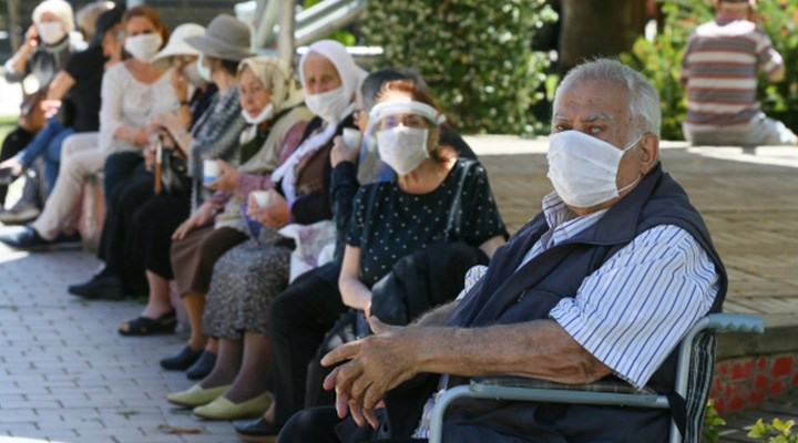 60-65 yaş grubu hâlâ aşı bekliyor