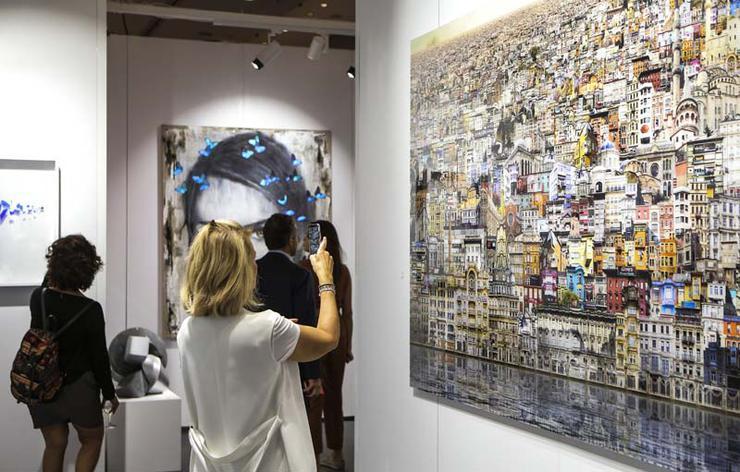 Contemporary Istanbul 15. edisyonunda sanatseverler ile mayıs...