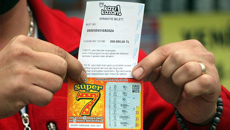 Kazı Kazan oyunlarından Süper 7 iki ayrı kentte yüzleri güldürdü