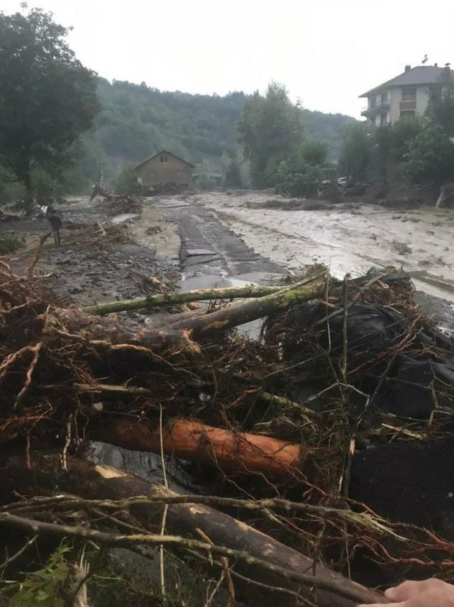 Etkili sağanak yağış Bartın'da sel ve heyelana neden oldu! İşte felaketi yaşayan şehirden ilk görüntüler